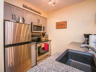 Silverstar Short Term April 1- October 31 only, 2 Bed 1 Bath