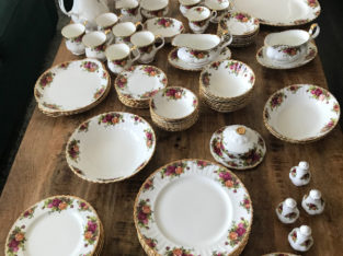 Royal Doulton Old Country Rose Service for 6 Set!