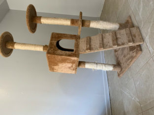 Cat tower and tunnel $30!!!!