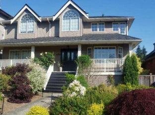 Beautiful 4 bedroom home on quiet street. Gardening service incl