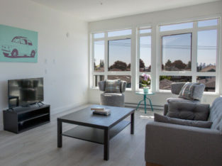 Fully Furnished 1 Bedroom Apt. All Inclusive Monthly Leasing