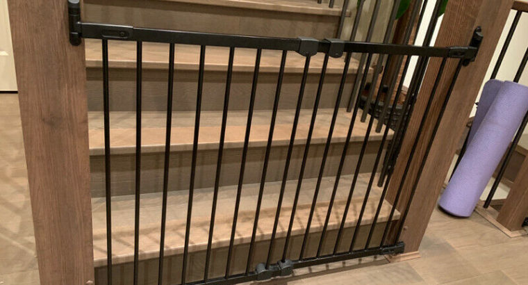 Kidco Angle Mount Baby Gates x 2. Excellent Condition.BarelyUsed