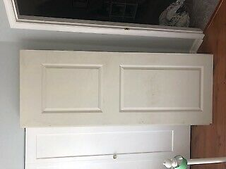5 brand new interior doors 30 x80, includes tool to cut holes
