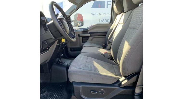 2017 Ford F-550SD XLT Crew Cab 84″ CA 4X4 DRW 12′ Flat Deck