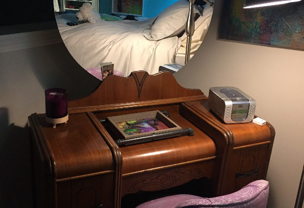bedroom furniture -vintage era