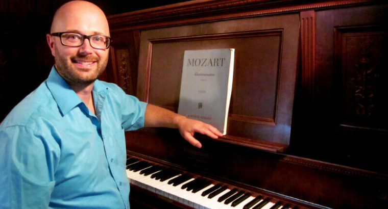 Engage Your Creative Side: Online Piano Lessons!