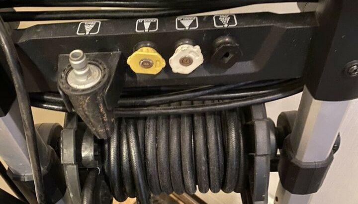 Karcher 2000psi electric pressure washer