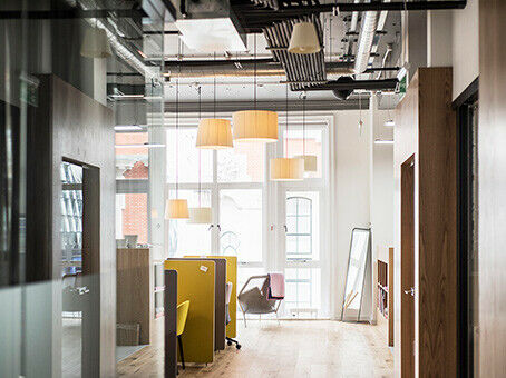 Coworking Dedicated! Better with Spacesworks.