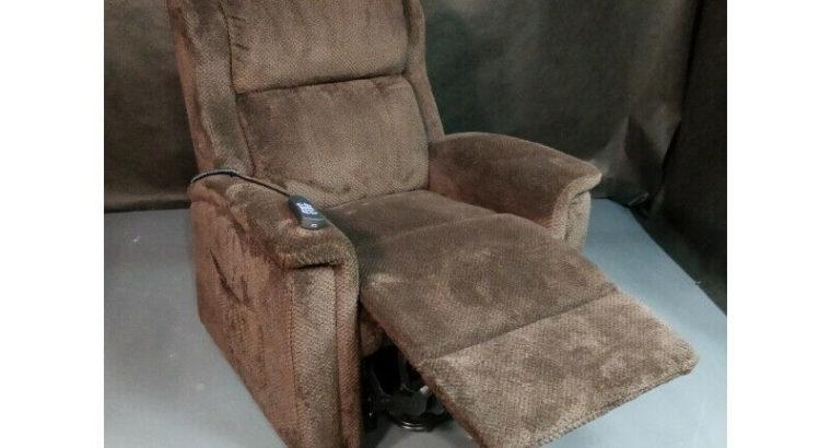 Regan power lift chair, 2 motors, operate head and foot separate