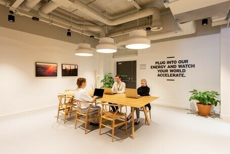 Try the best Coworking in Town! All Inclusive!
