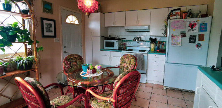 $900/2 Unfurnished rooms in fully furnished, bright home