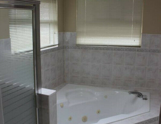 4 Bed 2.5 Bathroom Home in Fleetwood Surrey