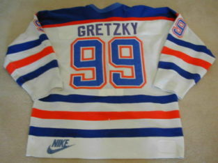 Wanted: GRETZKY game used worn sticks, helmets, jersey, collectables