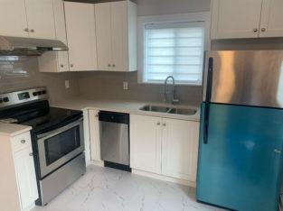 650$ 2nd floor clean house