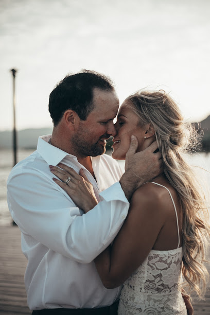 Engagement and Wedding Pictures with Pala Mikayla
