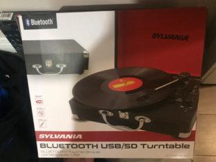 Record player / Bluetooth speaker
