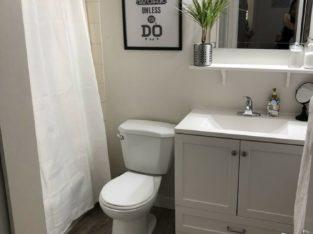 Spacious 1 bed, 1 bath apartment/condo in Surrey Central.