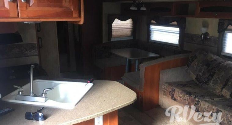 2010 Keystone Cougar (Rent RVs, Motorhomes, Trailers & Camper v