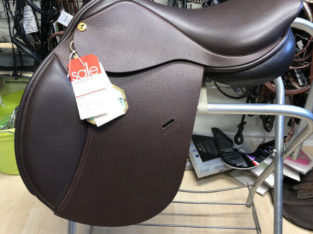 New 17in Exselle Axcess Close Contact English Saddle
