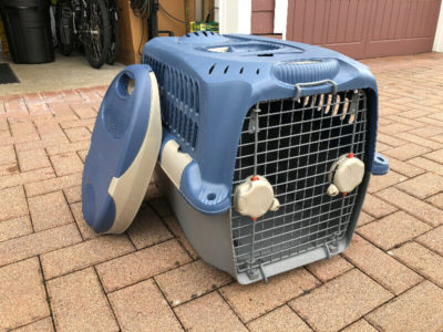 Foldable dog or pets play house or pen