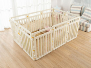 DIY Pet Playpen with Adjustable Size and Shape