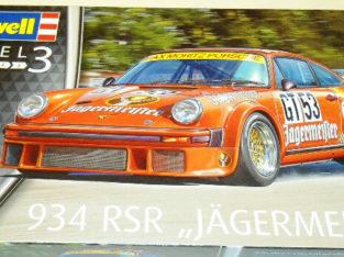 Revell Germany 1/24 Porsche 934 RSR Jagermeister