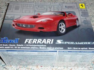 Revell 1/24 Ferrari Superamerica