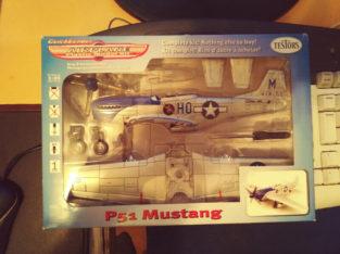 P51 Mustang Testors Scale 1-48 MIB