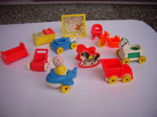 FISHER PRICE VINTAGE NURERY W BABY