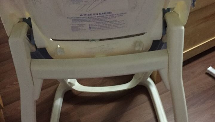Baby eating/drawing seat. (High chair)