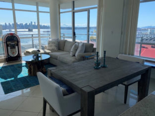 $3700 / 2br – 1000ft2 – 2 Bed/2Bath, VIEW, Lower Lonsdale (North