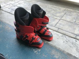 Red Ski Boots: Size 24.5