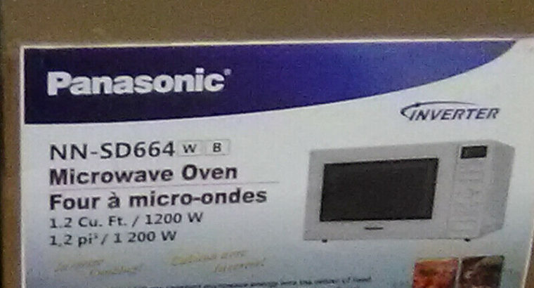 White 1.2 cu ft. microwave