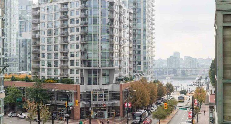 501 212 DAVIE STREET Vancouver, British Columbia
