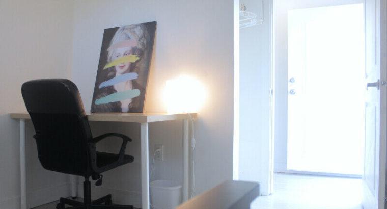Furnished Rm on 1st Floor@Kits w/Utilities! Near Express Bus+UBC