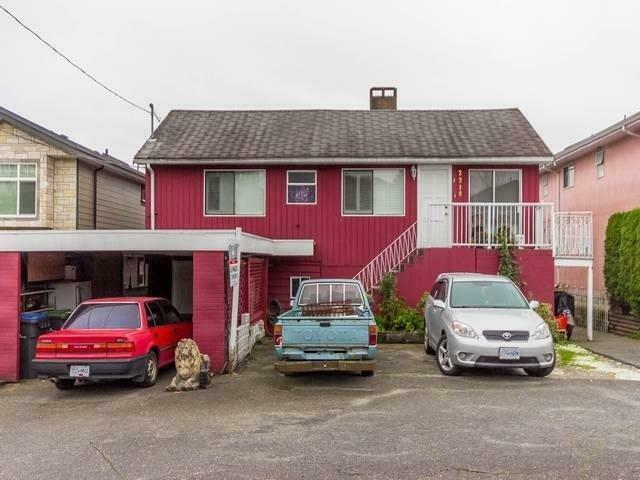 2218 DUBLIN STREET New Westminster, British Columbia